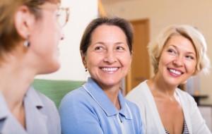 Est-ce temps de changer votre prothèse dentaire? Votre bouche vous parle de signes précurseurs