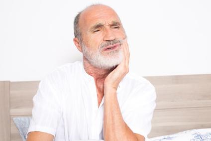 prothèses sur implants dentaires règlent plusieurs problèmes dentaires