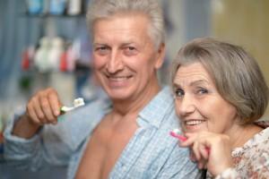 L'entretien de ses prothèses dentaires sur implants