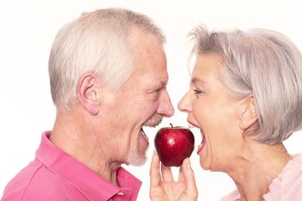 Une mauvaise hygiène dentaire peut créer des problèmes dans la bouche et ailleurs dans l'organisme