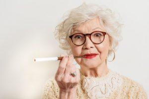 Impacts du tabac sur vos prothèses dentaires