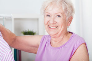 Quelle est la durée de vie moyenne des dents naturelles?