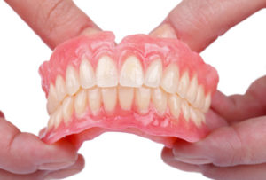 7 questions fréquentes à propos des prothèses dentaires